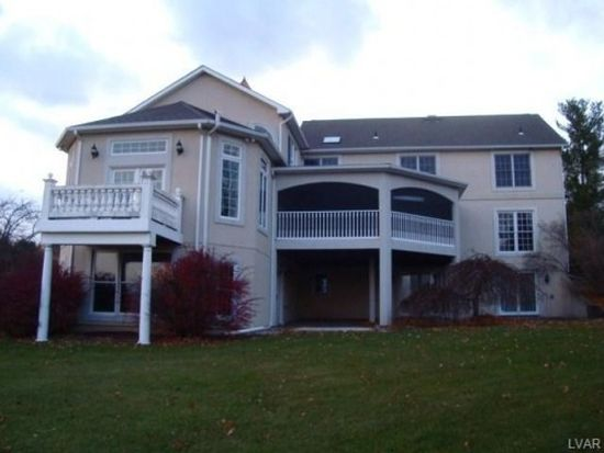 1326 Highland Dr, Orefield, PA 18069
