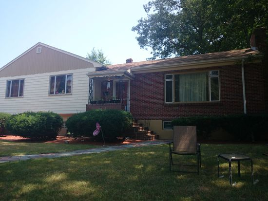 260 W Roxbury Pkwy, West Roxbury, MA 02132