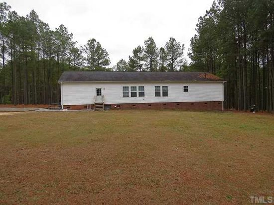 103 Foxtree Ct, Benson, NC 27504