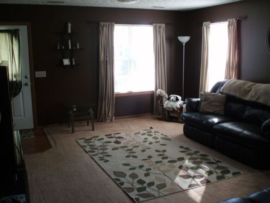 366 Community Ln, Painesville, OH 44077