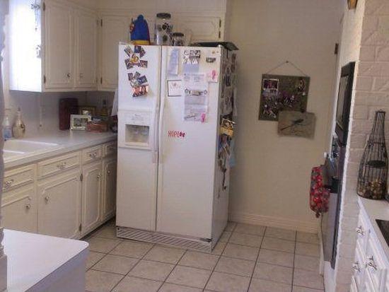 2745 S Kitchen Dr, Port Neches, TX 77651
