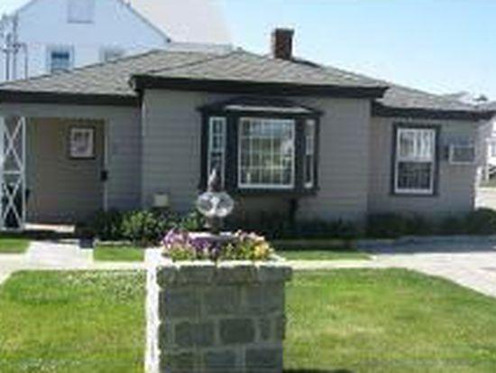 21 Fuller Acres APT 2, Hampton, NH 03842