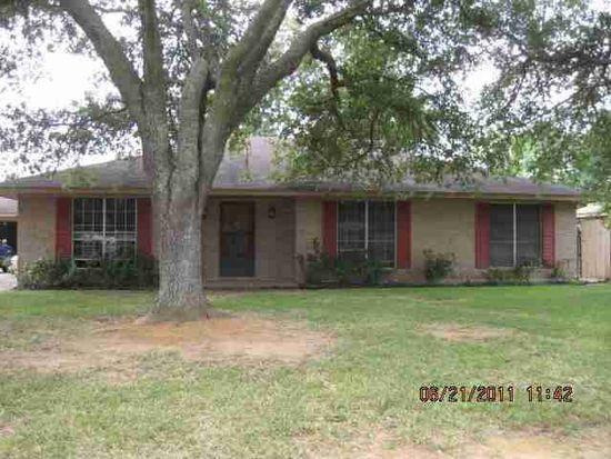680 Bancroft Dr, Beaumont, TX 77706