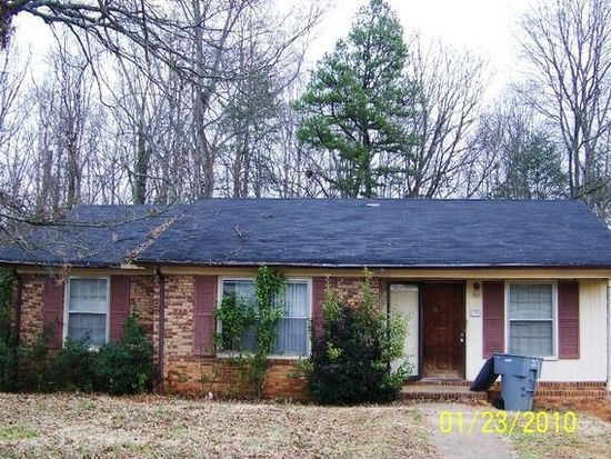 325 Willow Oaks Dr, Spartanburg, SC 29301