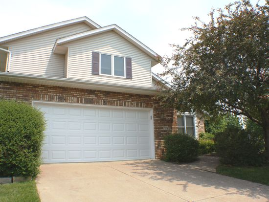1780 Plymouth Dr, Bettendorf, IA 52722