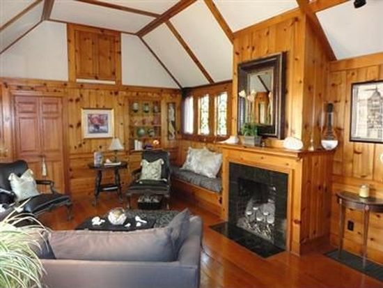 2903 Lee Rd, Silver Lake, OH 44224