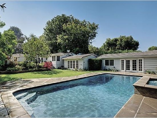 3615 Hampstead Rd, La Canada Flintridge, CA 91011
