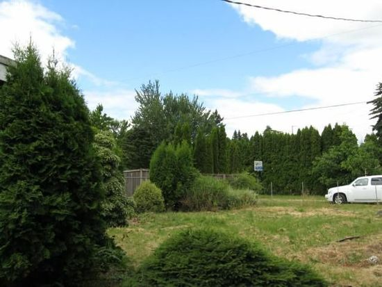 9736 SE Woodstock Ct, Portland, OR 97266