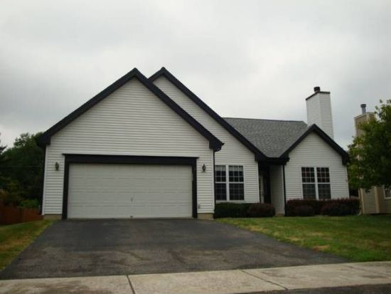 348 Timber Oaks Dr, North Aurora, IL 60542