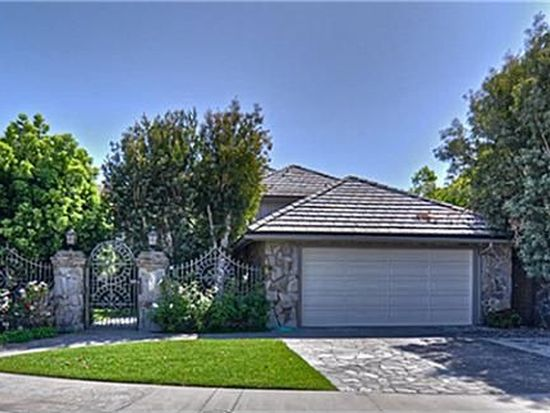 3672 Escapade Cir, Huntington Beach, CA 92649