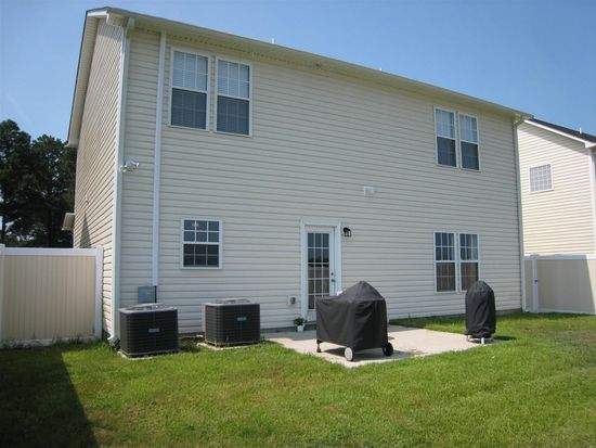 912 Jade Ln, Winterville, NC 28590
