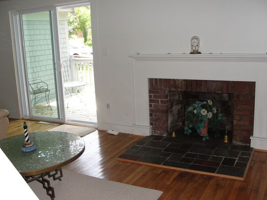 37 Chadwick Ave, Hyannis, MA 02601