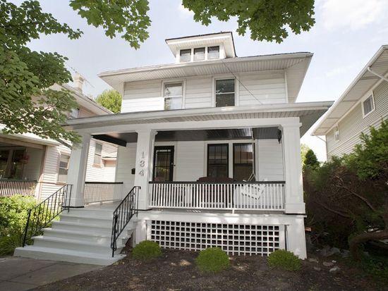 134 S Cuyler Ave, Oak Park, IL 60302
