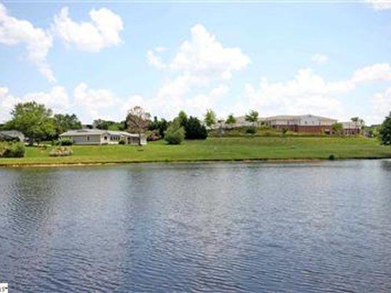 212 Lakeside Cir, Greenville, SC 29615