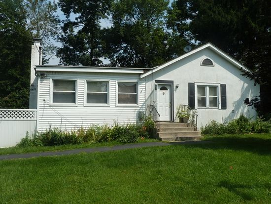 22 Clubhouse Dr, Kent Lakes, NY 10512