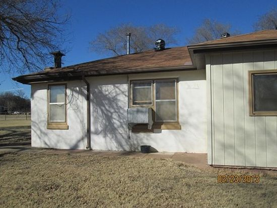445 Adams Ave, Blackwell, OK 74631