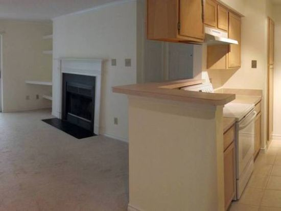 1533 Lincoln Way APT 202, Mclean, VA 22102