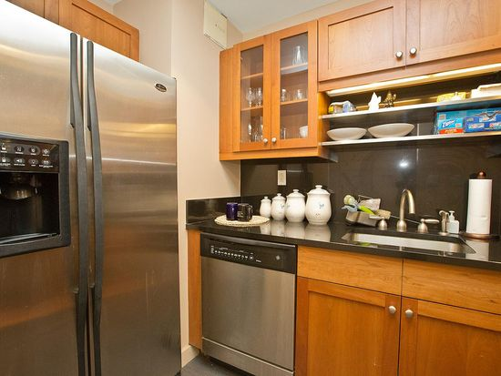 425 5th Ave APT 18C, New York, NY 10016