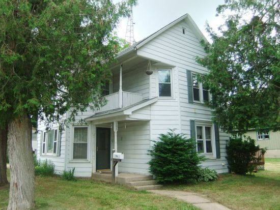 106 N Chestnut St, Mineral Point, WI 53565