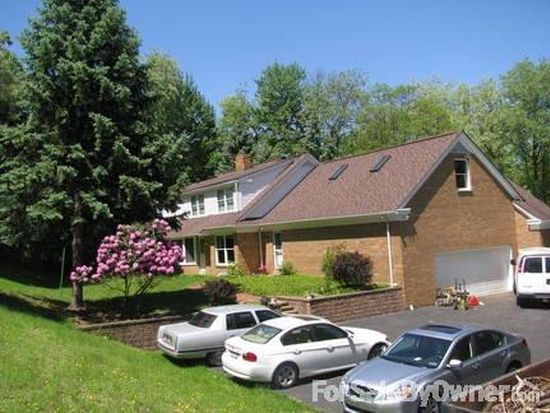 160 Pineview Dr, Wexford, PA 15090