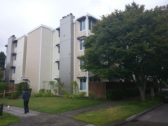 4118 SW College St APT 301, Seattle, WA 98116