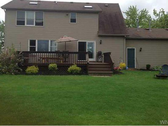 3951 Saunders Settlement Rd, Sanborn, NY 14132