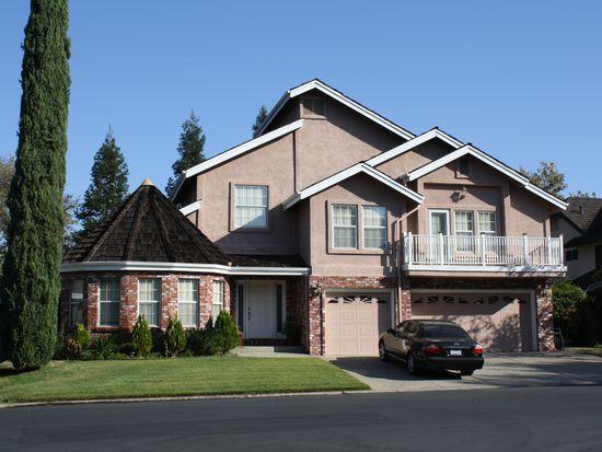 2207 Broadstone Dr, Roseville, CA 95661