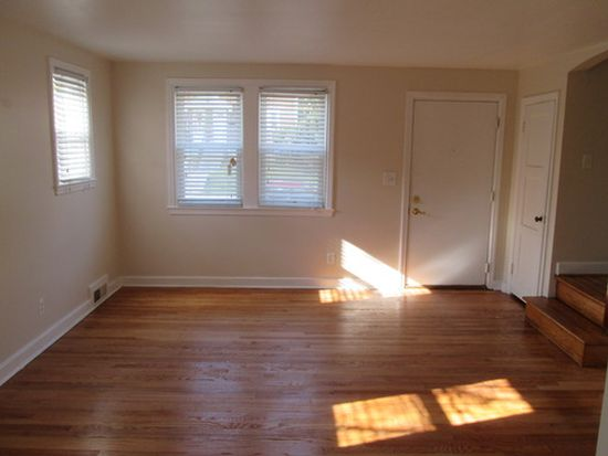743 Charing Cross Rd, Baltimore, MD 21229