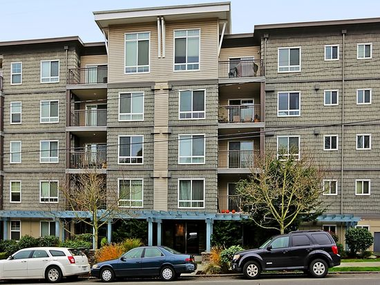 3015 SW Avalon Way APT 406, Seattle, WA 98126