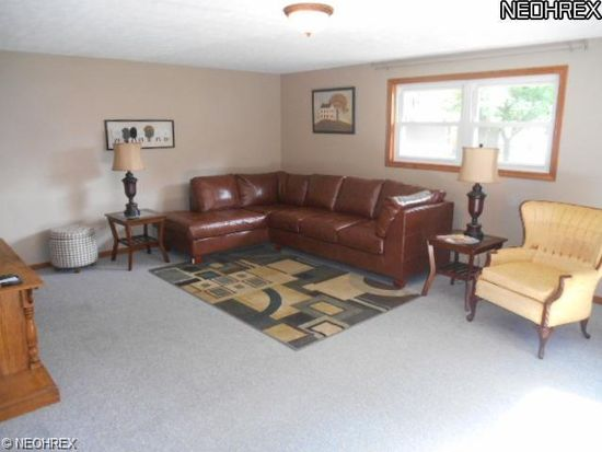825 West St, Wadsworth, OH 44281