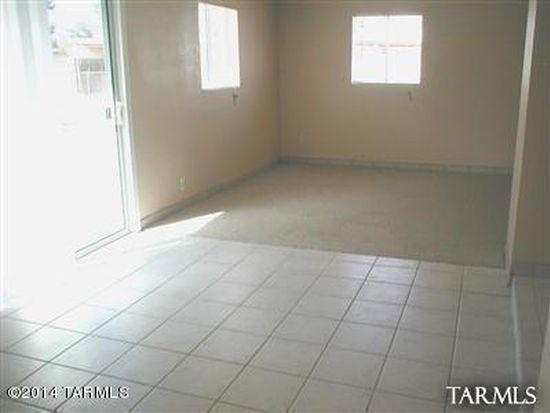 6512 E Calle Bellatrix, Tucson, AZ 85710