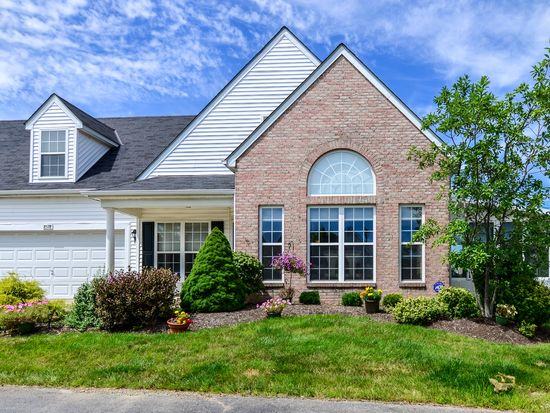 8578 Lazelle Village Dr, Lewis Center, OH 43035