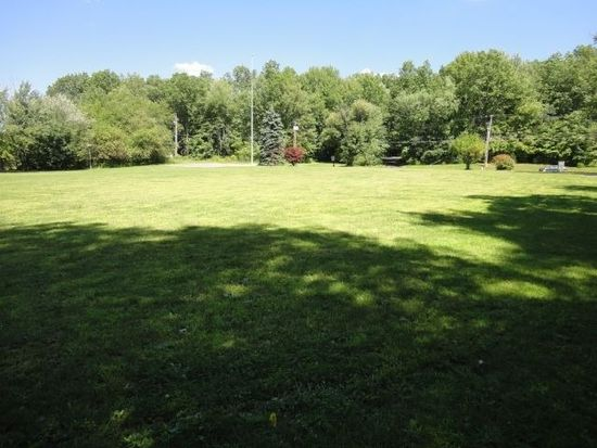 620 N Madison Ave, Grove City, PA 16127