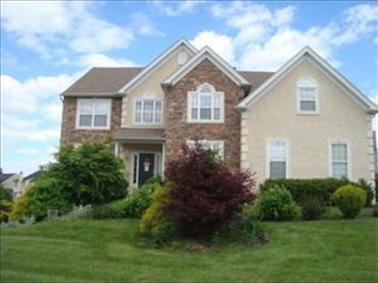 5020 Curly Horse Dr, Center Valley, PA 18034