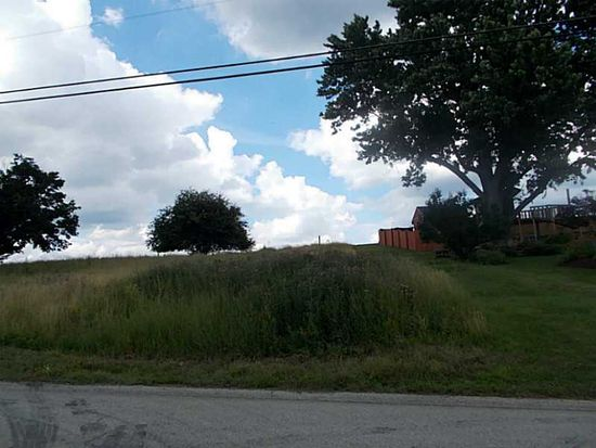 888 Mcclelland Rd, Finleyville, PA 15332
