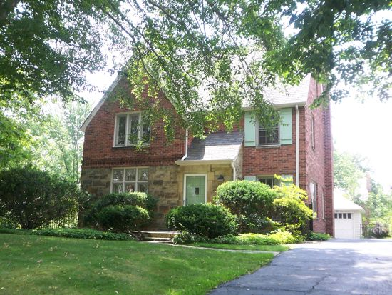 2472 Charney Rd, University Heights, OH 44118