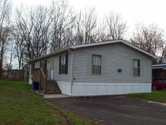 160 Crestwood Dr, Lockport, NY 14094