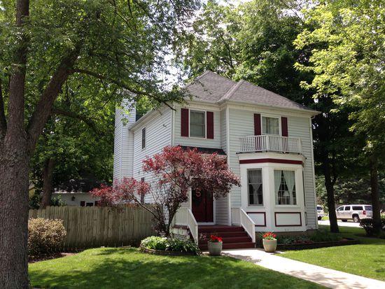 426 Elm St, Batavia, IL 60510