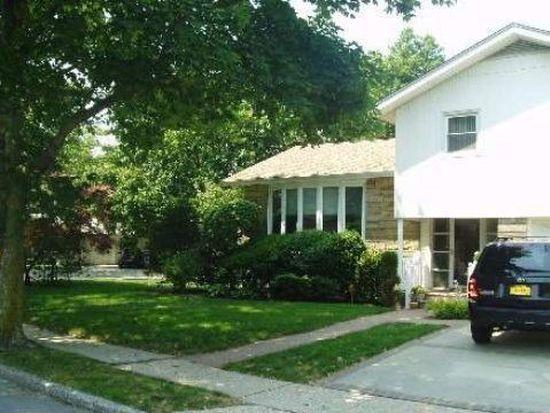 884 Cedarhurst St, Valley Stream, NY 11581