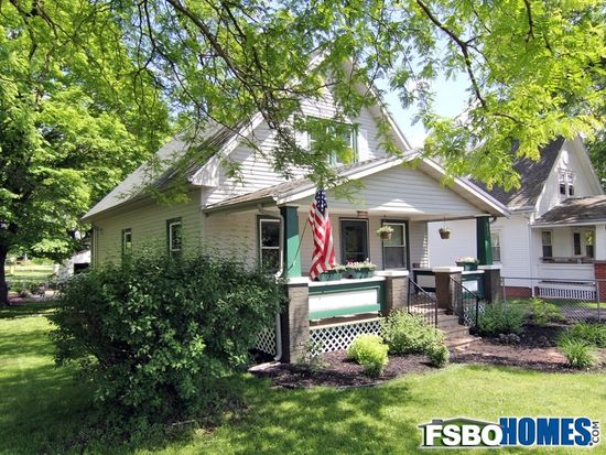815 19th St NW, Cedar Rapids, IA 52405