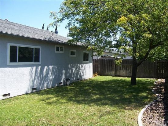 317 Ruddy Ln, Suisun City, CA 94585