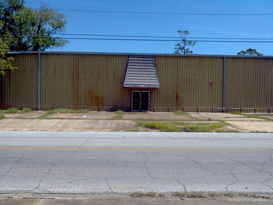 2710 Gulf St, Beaumont, TX 77703