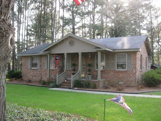 300 Whitehall Dr, Rocky Mount, NC 27804