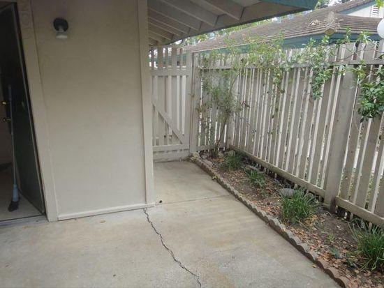 203 Roundtree Ct, Sacramento, CA 95831