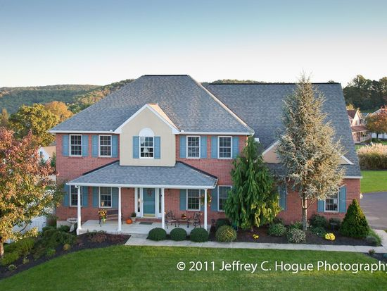 613 Sycamore Rd, Mohnton, PA 19540