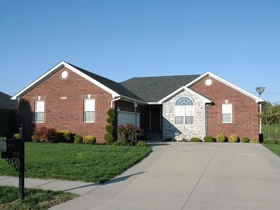 3243 Rosemont Dr, Jeffersonville, IN 47130