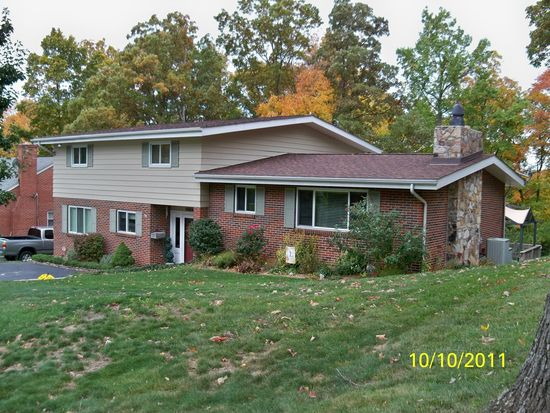 239 Ridgecrest Rd, Bluefield, WV 24701