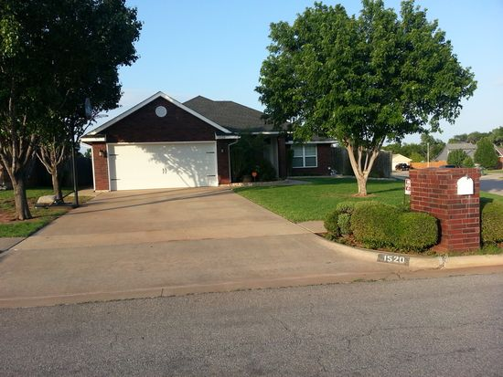 1520 SE Walnut Creek Rd, Lawton, OK 73501