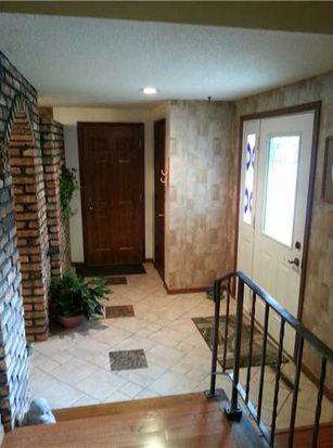 2360 Towne House Dr NE, Cedar Rapids, IA 52402