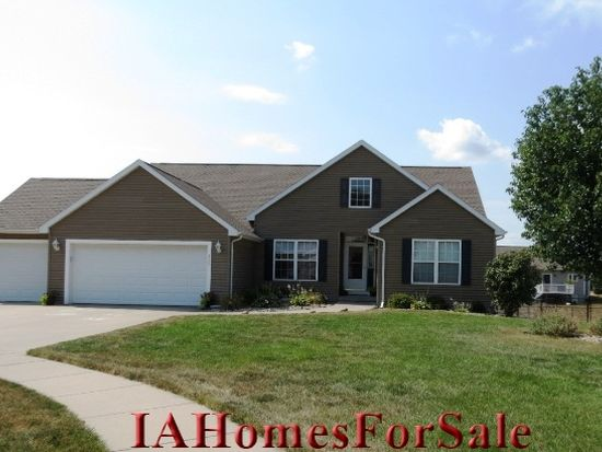 220 15th Avenue Ct, Hiawatha, IA 52233